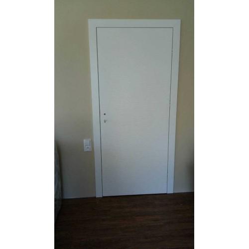 Prosklenné bezfalcové dveře