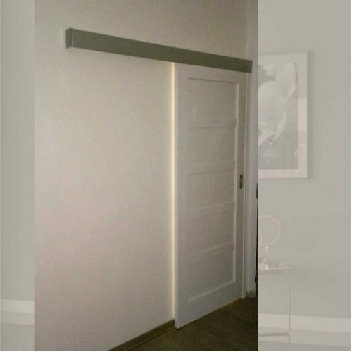 Plné posuvné dveře na stěnu