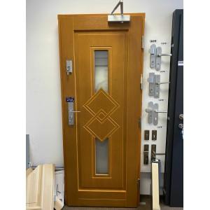 Venkovní dřevěné vchodvoé dveře