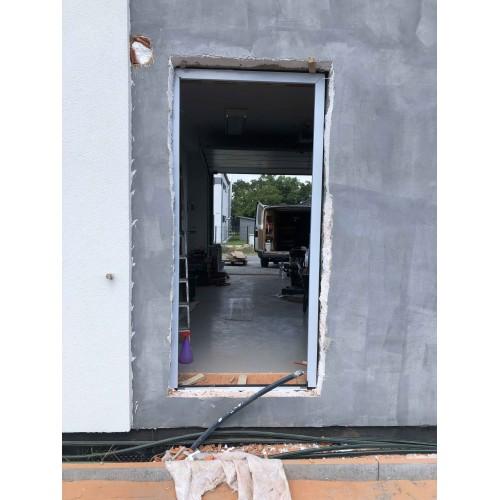 venkovní vchodové plastové dveře do domu